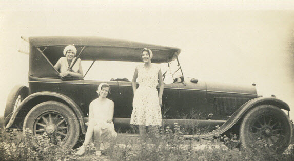 Eugenia Hunt (left) and Marie Lee (center) circa 1927,